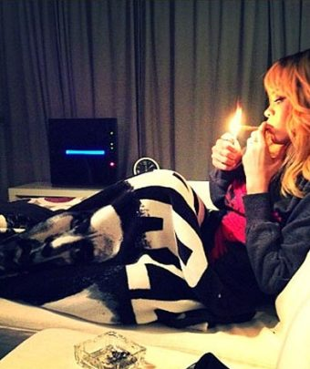 RIHANNA SMOKING POT AT A HOTEL