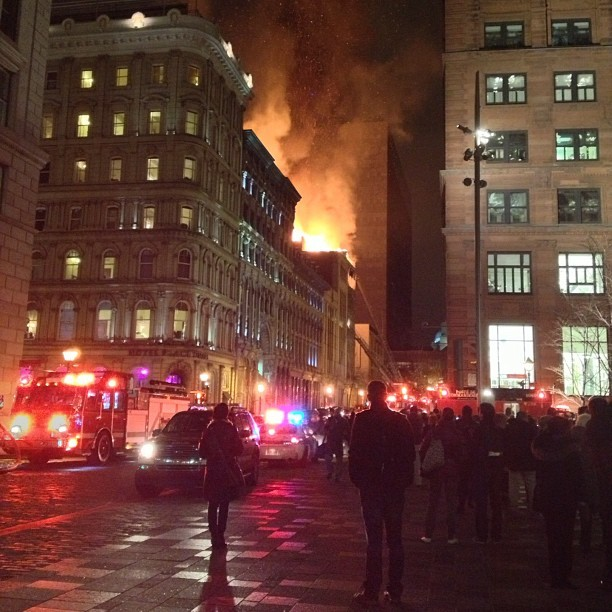 Spectacular fire in Old Montreal