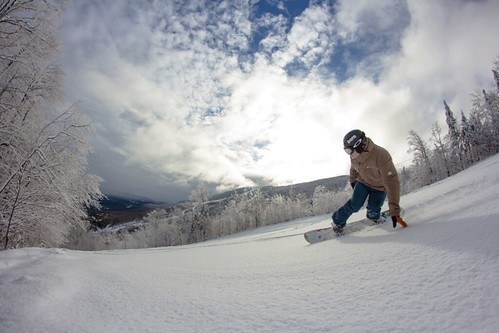 Top snowboard destinations in Quebec for Spring 2019